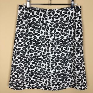 NWOT Cato Black White Leaf Print Stretch